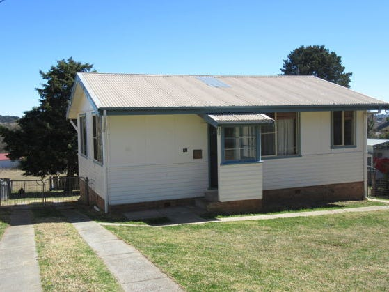 40 Lawrence Street, Glen Innes, NSW 2370