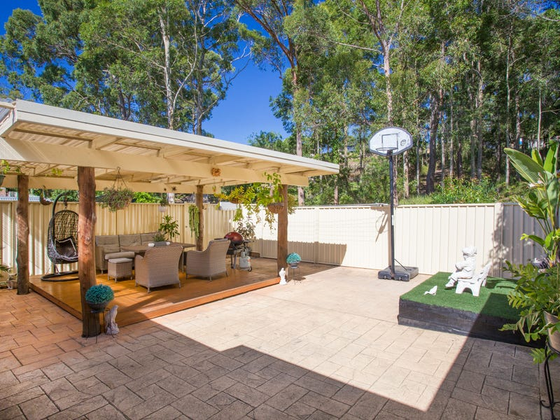 23 Karoola Crescent, Surfside, NSW 2536