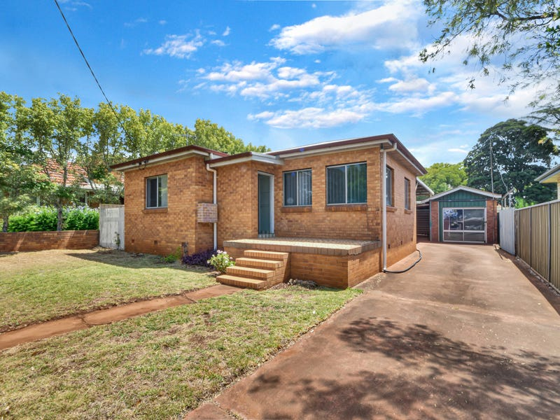 25 Fourth Avenue, Harristown, Qld 4350