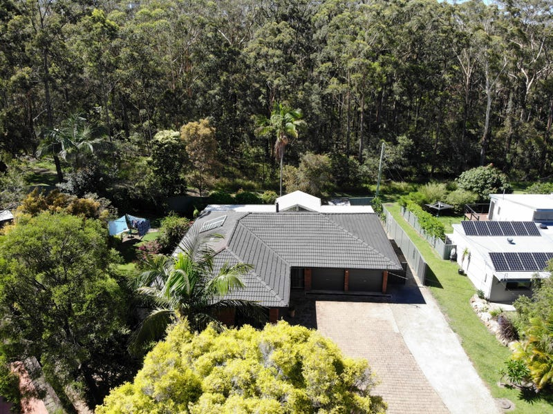 15 Young Street, Safety Beach, NSW 2456