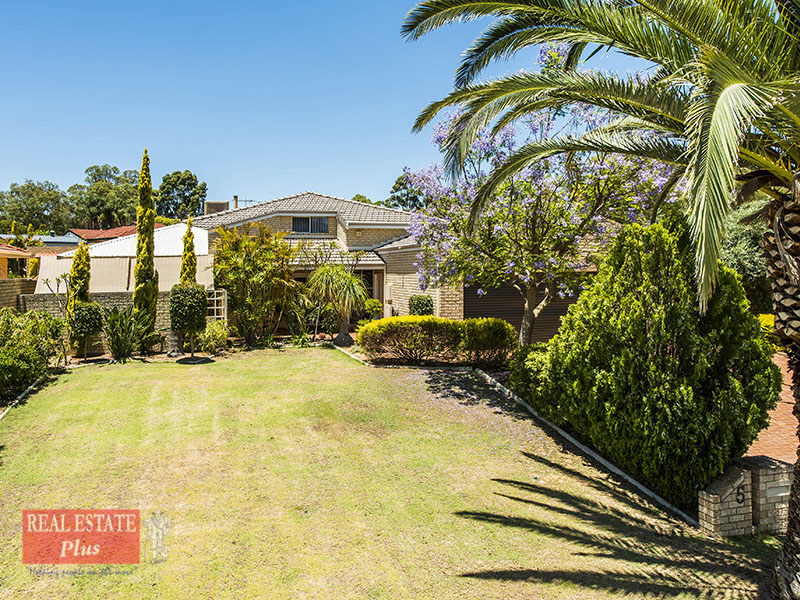 5 Lone Pine Way, Greenmount, WA 6056