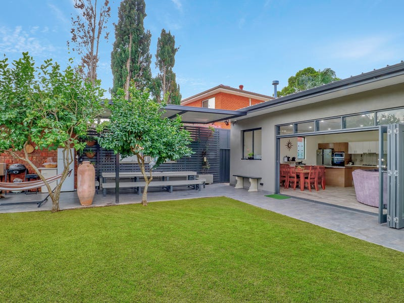 37 Mountview Ave, Beverly Hills, NSW 2209