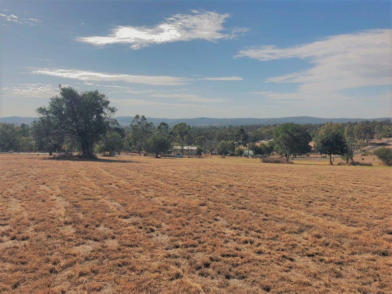 155 Lakes Drive, Laidley Heights, Qld 4341