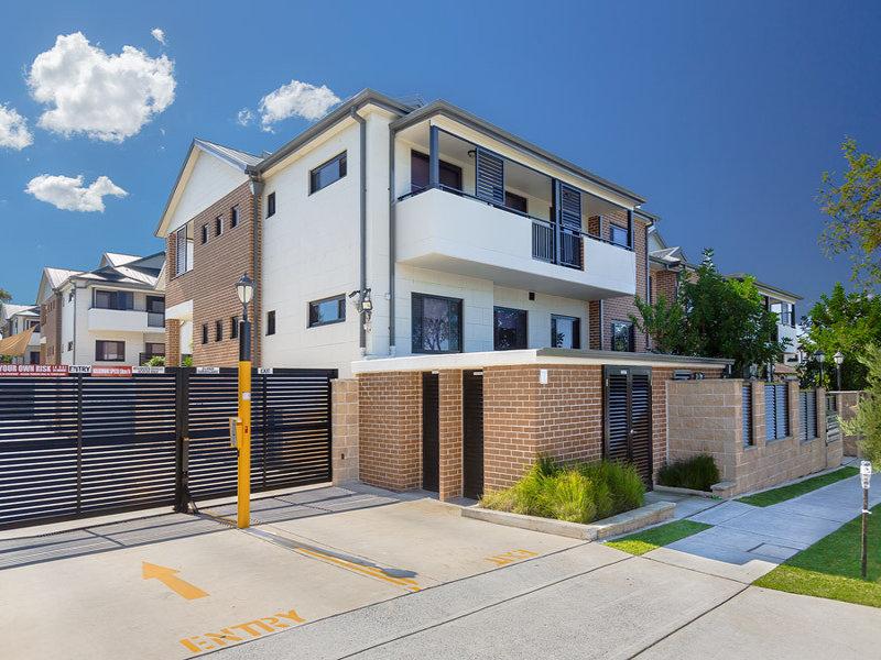 8/177 Banksia Road, Greenacre, NSW 2190