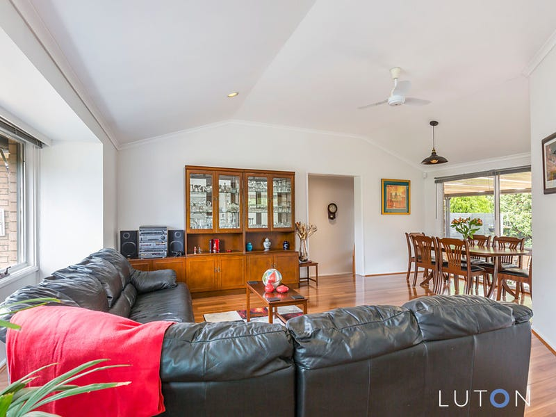 1 McIlveen Place, Oxley, ACT 2903