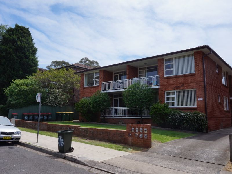 8/15 Queens Road, Westmead, NSW 2145