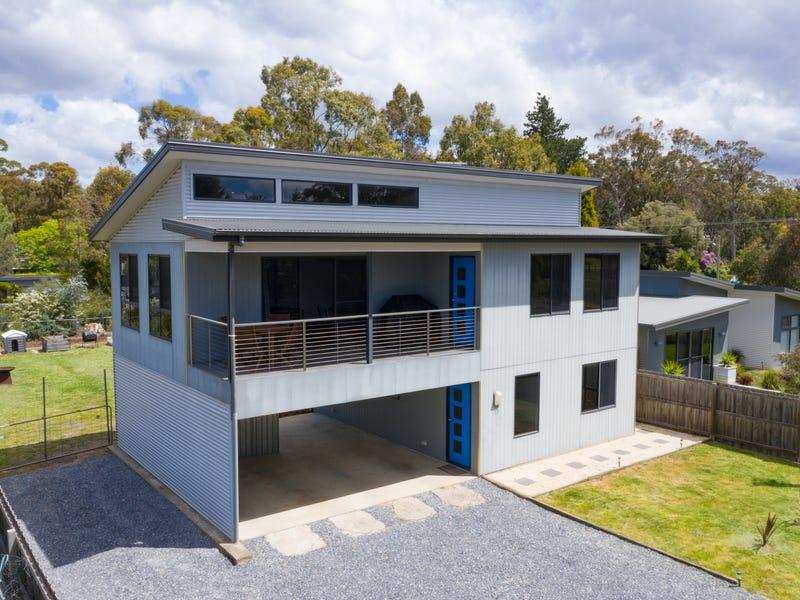 15 Nairana Street, Gravelly Beach, Tas 7276