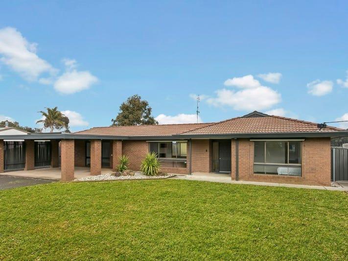 8 Pine Grove, Goornong, Vic 3557
