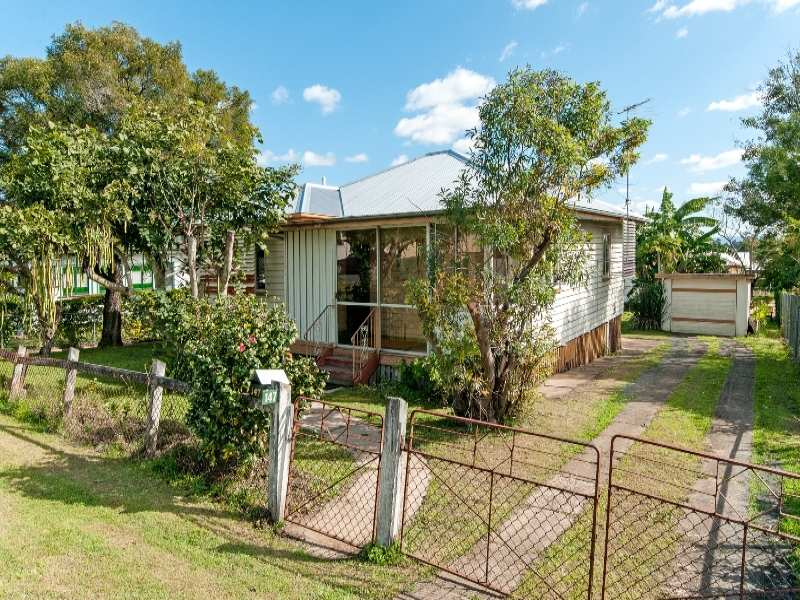 147 Whitehill Road, Eastern Heights, Qld 4305