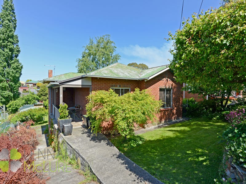8 Gregson Avenue, New Town, Tas 7008
