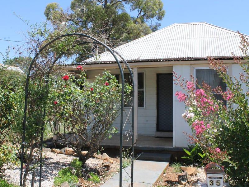 35 Bullinda Street, Dunedoo, NSW 2844