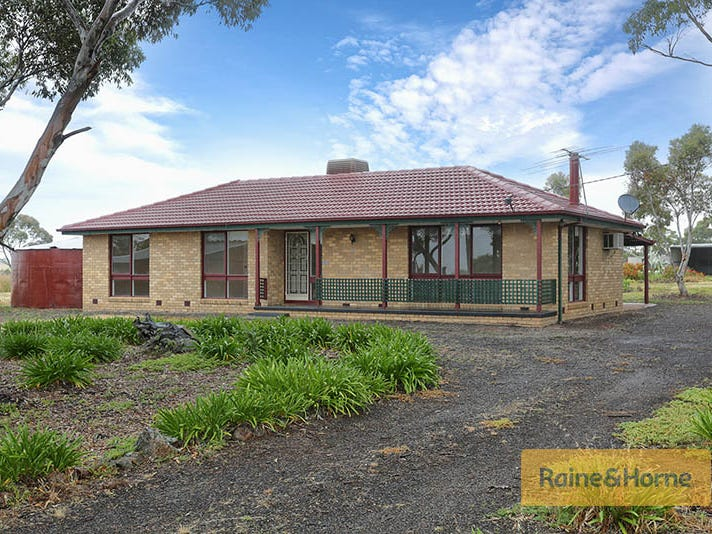 20 Lark Road, Exford, Vic 3338