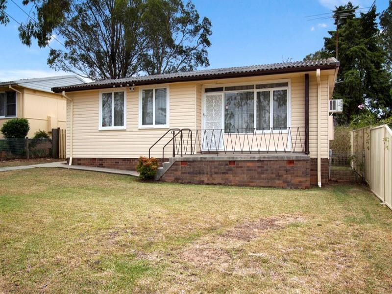 11 Catherine Avenue, Lurnea, NSW 2170