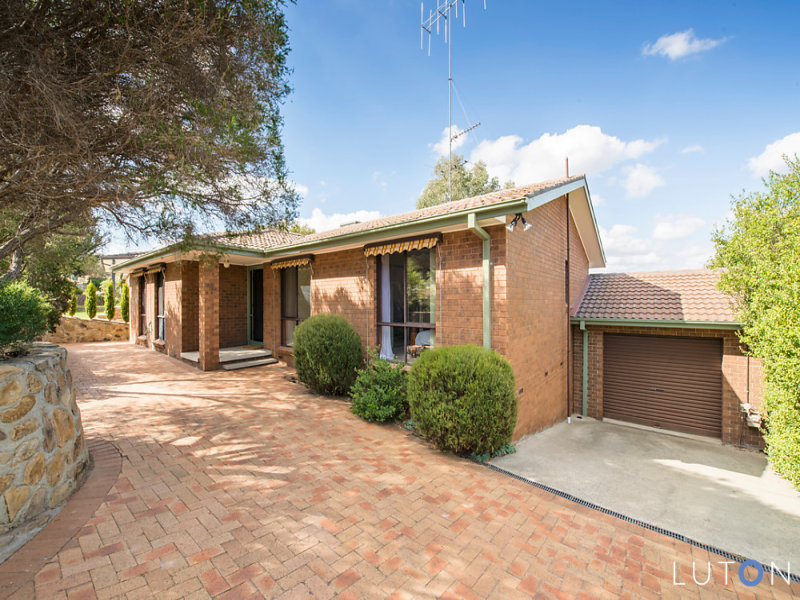 54 Jackie Howe Crescent, Macarthur, ACT 2904