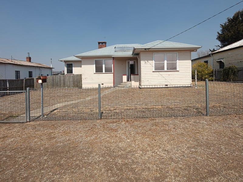 9 Molesworth Street, Tenterfield, NSW 2372