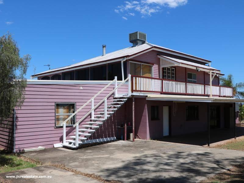 34 Severn St, Texas, Qld 4385