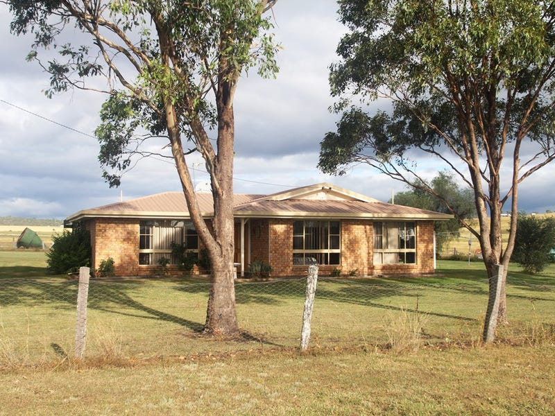 27 Lipp Road, East Greenmount, Qld 4359