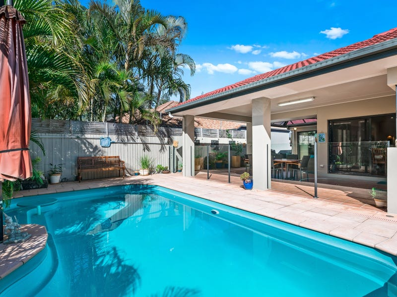 12 Barcoola Place, Twin Waters, Qld 4564