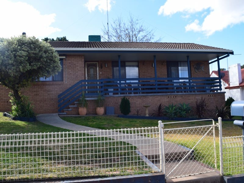 2 Want Street, Parkes, NSW 2870