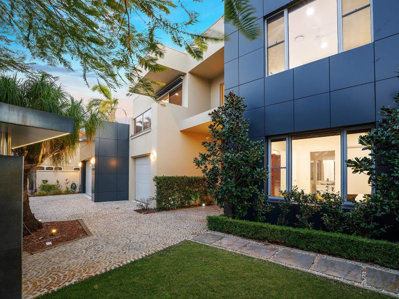 4 Seafarer Court, Paradise Waters, Qld 4217