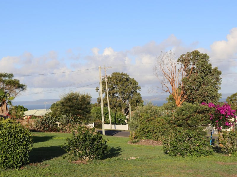6 Pacific Drive, Booral, Qld 4655