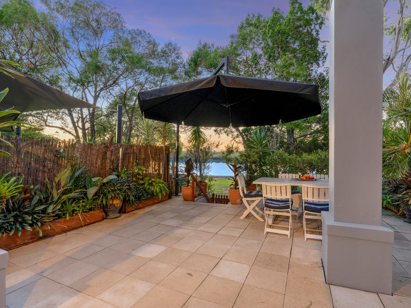 221/125 Hansford Road, Coombabah, Qld 4216