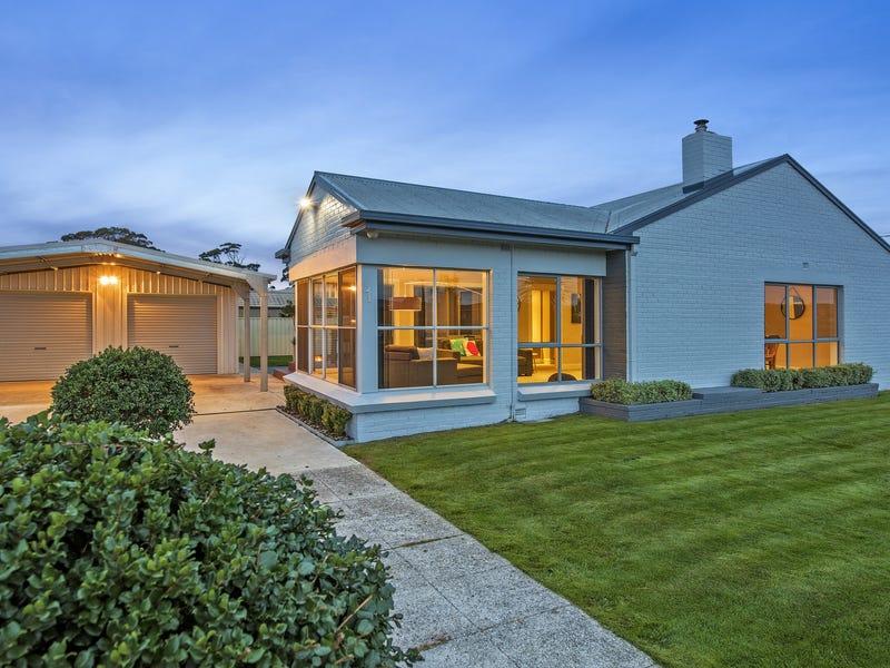1 Moore Street, Wynyard, Tas 7325