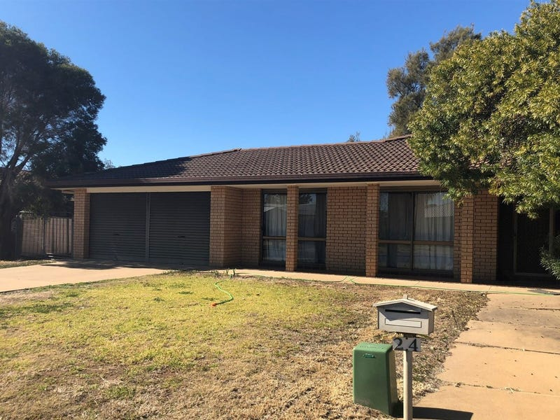 24 Oxley Parade, Warren, NSW 2824