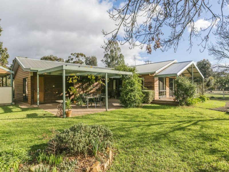 360 Bradford Road, Shelbourne, Vic 3515