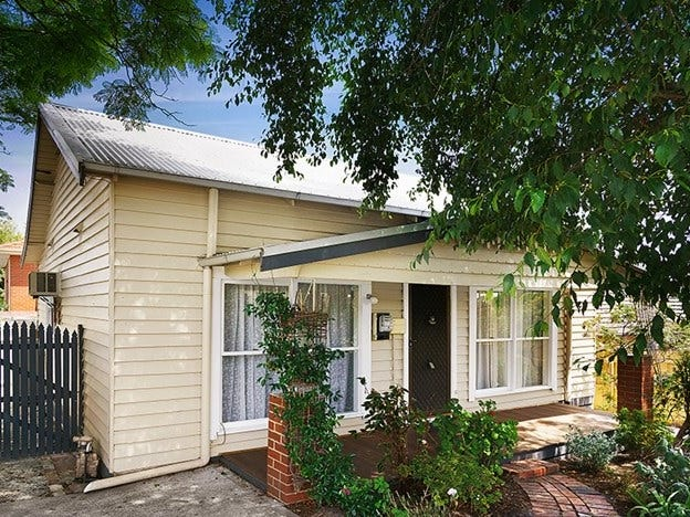 1/18 Ferntree Gully Road, Oakleigh East, Vic 3166