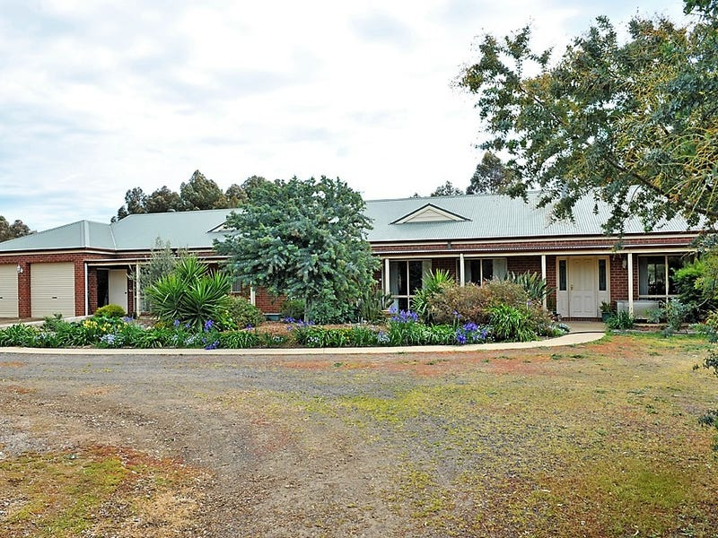 22 Emu Road, Shelbourne, Vic 3515