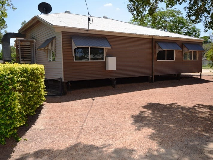 24 Wompoo Road, Longreach, Qld 4730