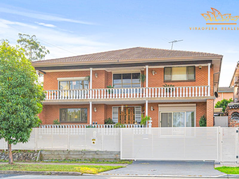 181 Humphries Road, St Johns Park, NSW 2176