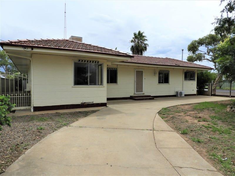 43 Chester St, Warren, NSW 2824