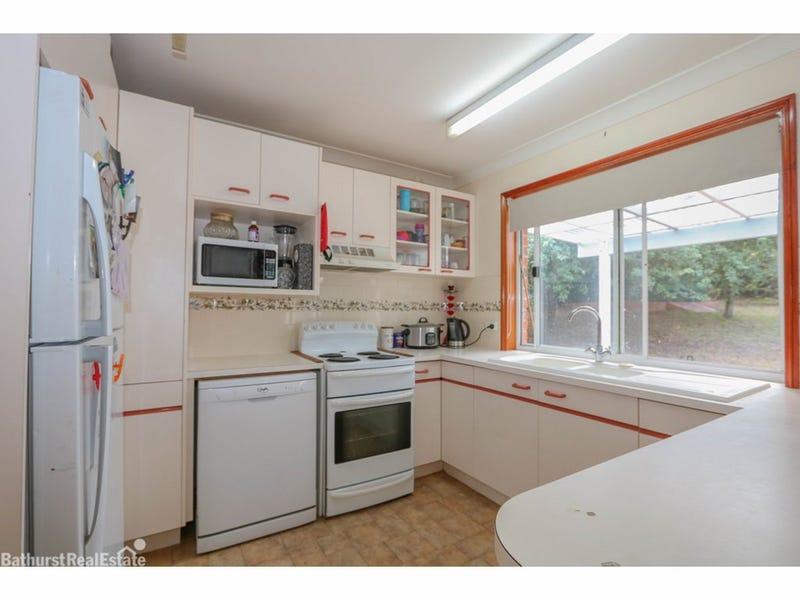 11 Freestone Way, Windradyne, NSW 2795