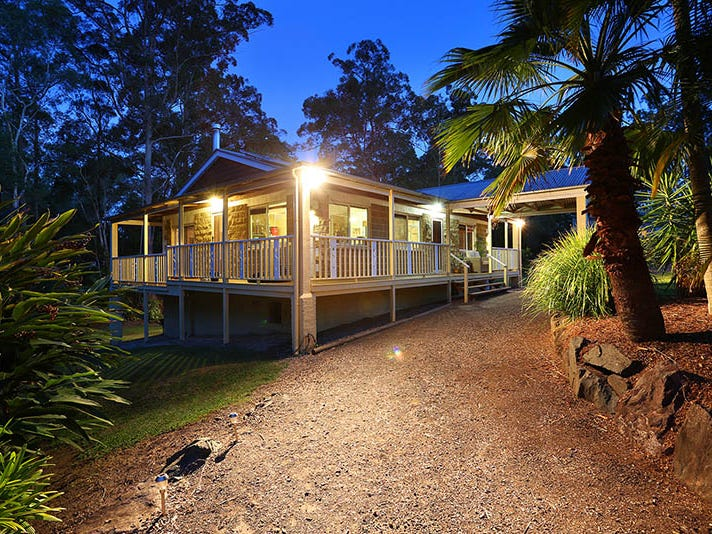 12 Annie Street, Landsborough, Qld 4550
