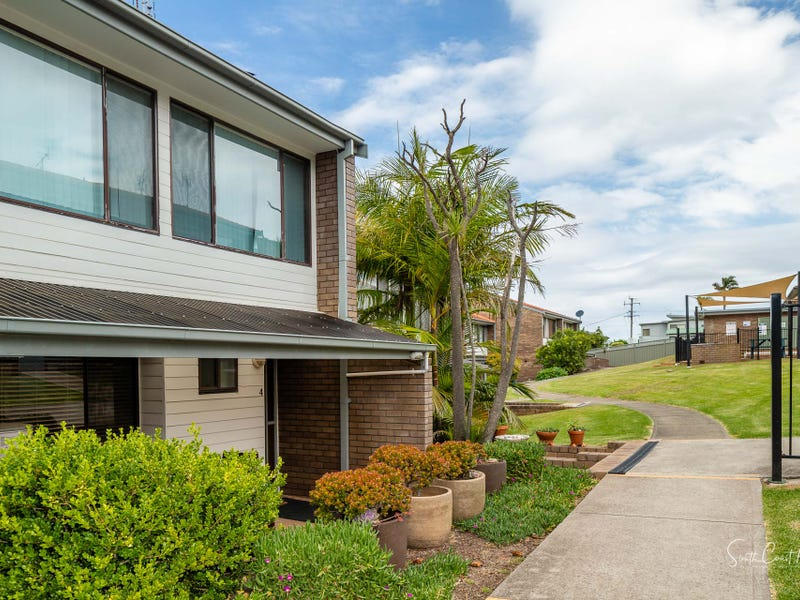 4/1 CALTON ROAD, Batehaven, NSW 2536