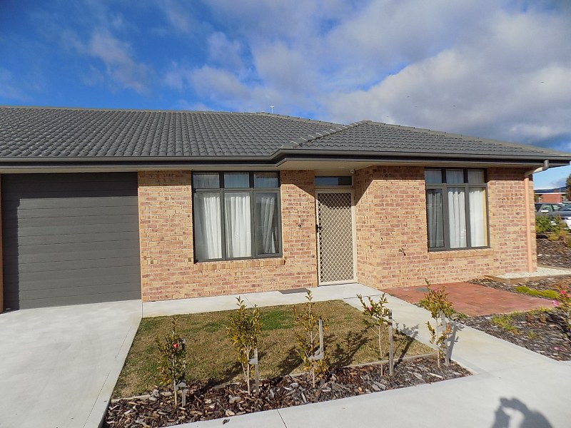 13 Lower Road, New Norfolk, Tas 7140