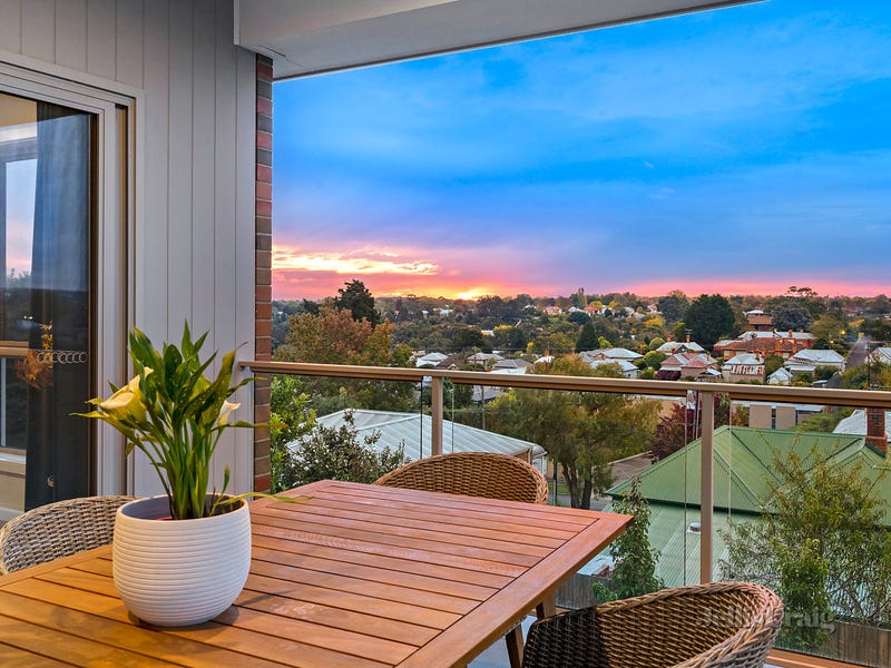 606 Laurie Street, Golden Point, Vic 3350
