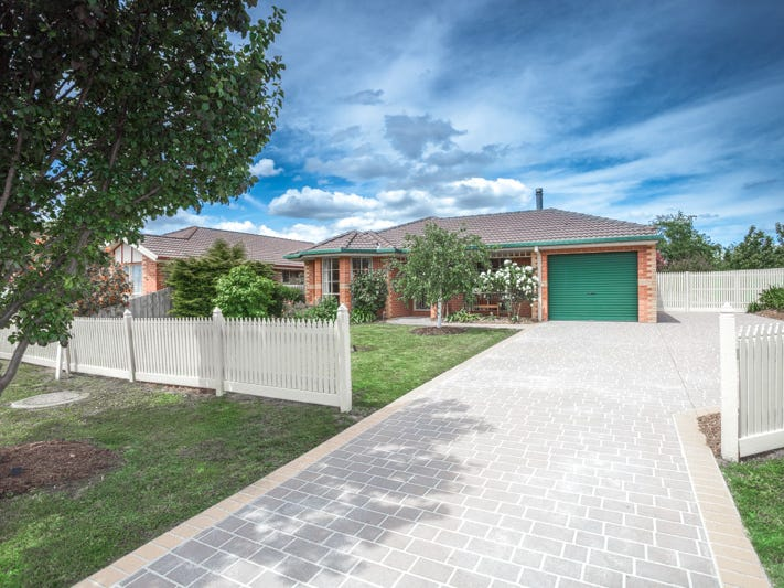 6 Kiwi Court, New Gisborne, Vic 3438