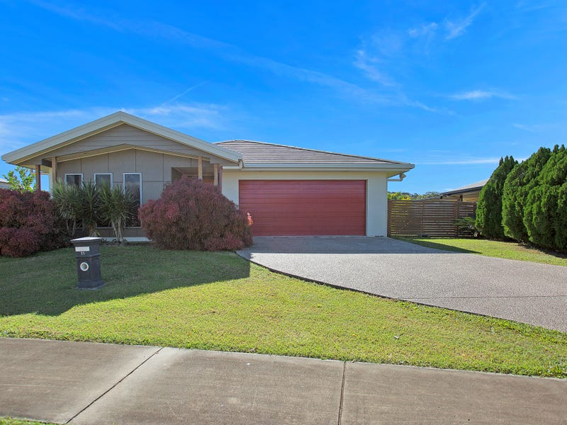 11 Montgomery Street, Rural View, Qld 4740