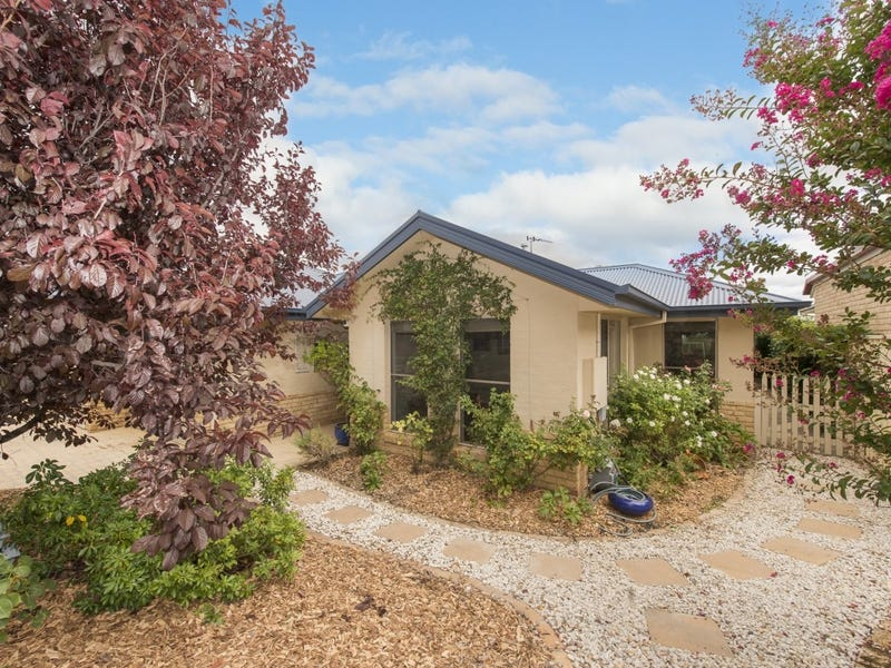 6 Northcliffe Place, Queanbeyan, NSW 2620