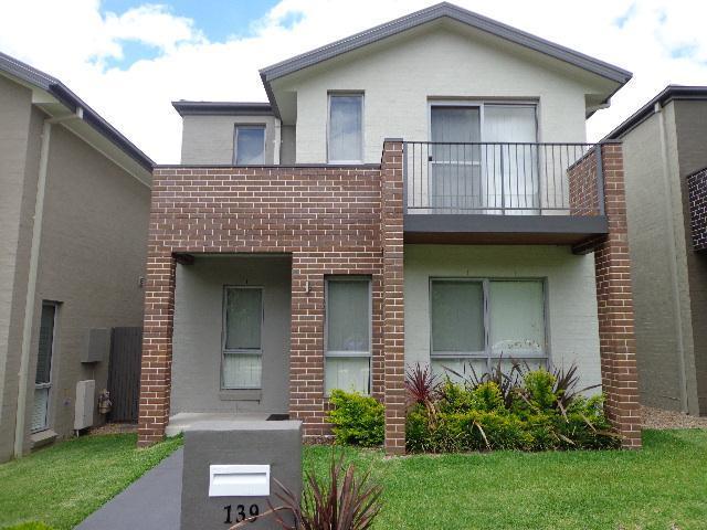 139 Robey Avenue, Middleton Grange, NSW 2171