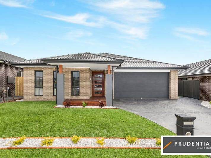 13 Courtney Lp, Oran Park, NSW 2570
