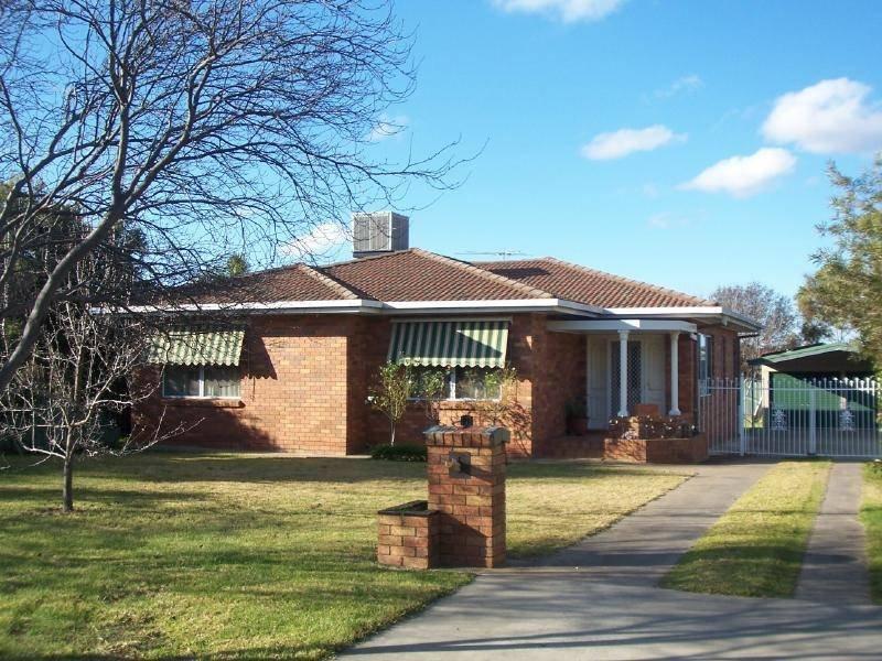 13 Coora Avenue, Cootamundra, NSW 2590