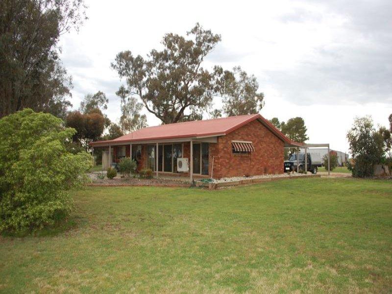 422 Walshs Bridge South Road, Mundoona, Vic 3635