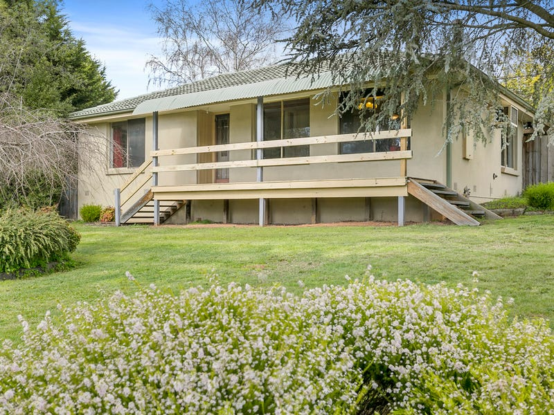 8 Greenglades Court, Wandin North, Vic 3139