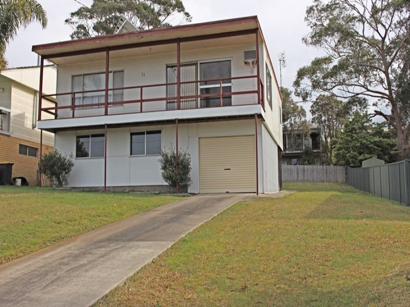 11 Carroll Avenue, Mollymook Beach, NSW 2539
