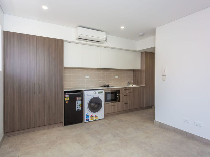 18 Gover Street, Peakhurst, NSW 2210