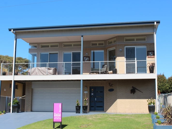 10 Wallace Street, Mollymook Beach, NSW 2539